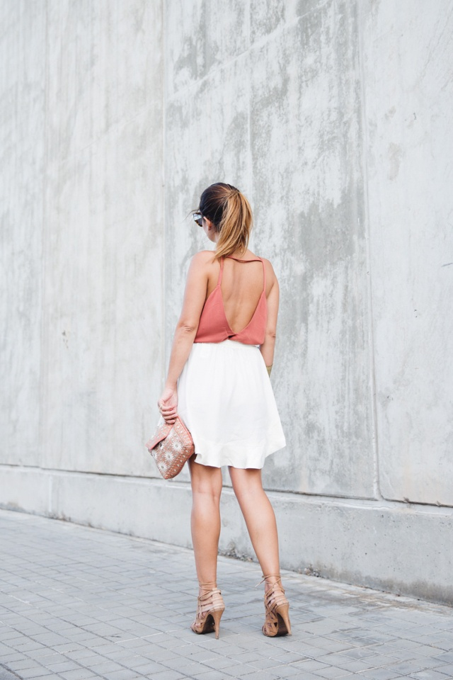 Backless_6